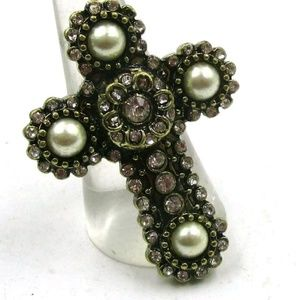 Cross ring antique pearl style